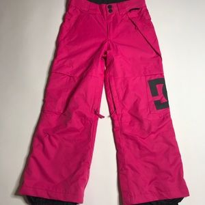 DC Hot Pink Snowboard Pants Size Youth Small.